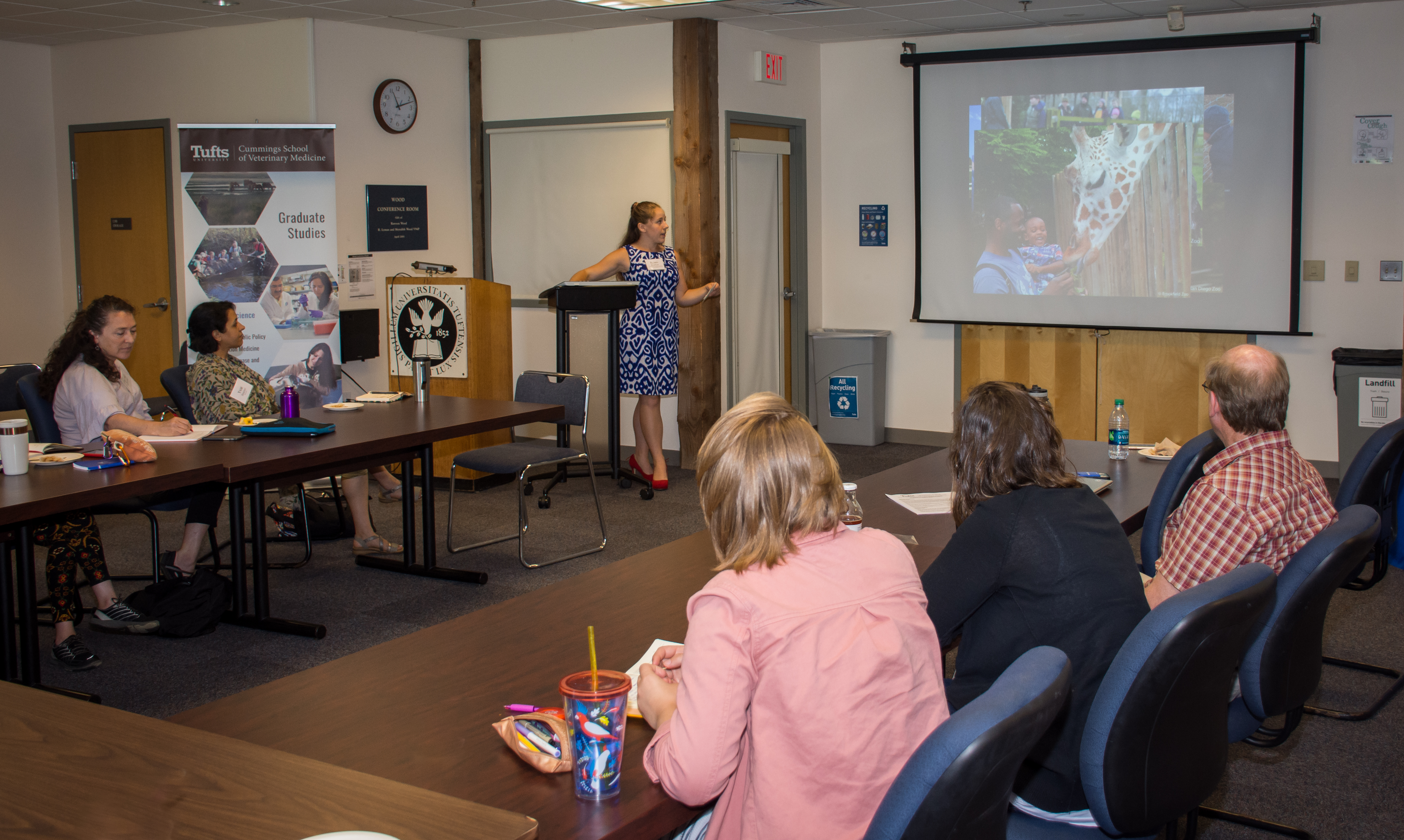 Summer Short Course: Animals and Society 2018 - MAPP student, Robin Kopplin spoke about evaluating welfare in giraffe feeding encounter programs.
